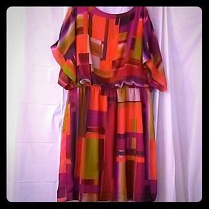 Shelby & Palmer Stunning dress with dolman sleeves